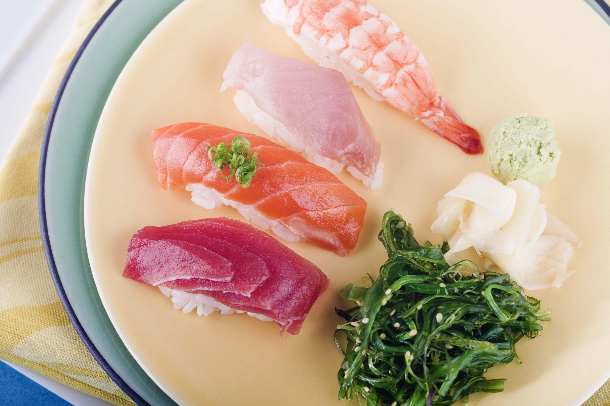 Cómo comer sushi y más en un restaurante japonés