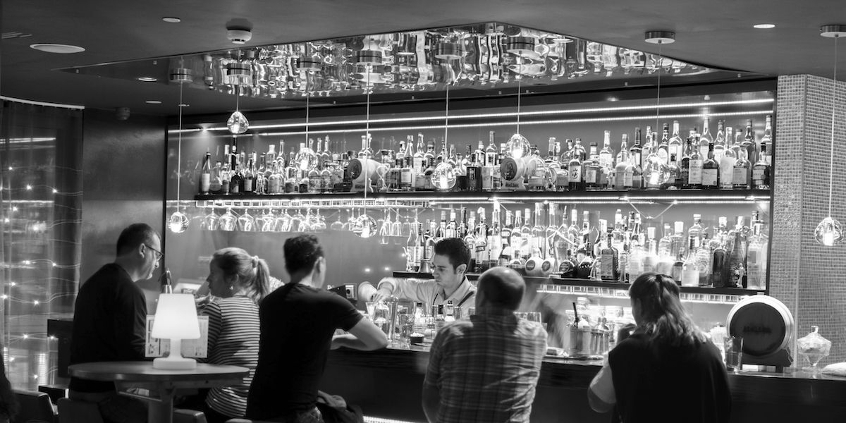 C mo montar un bar y no arruinarte en el intento consejos para montar un bar - Presupuesto para montar un bar ...