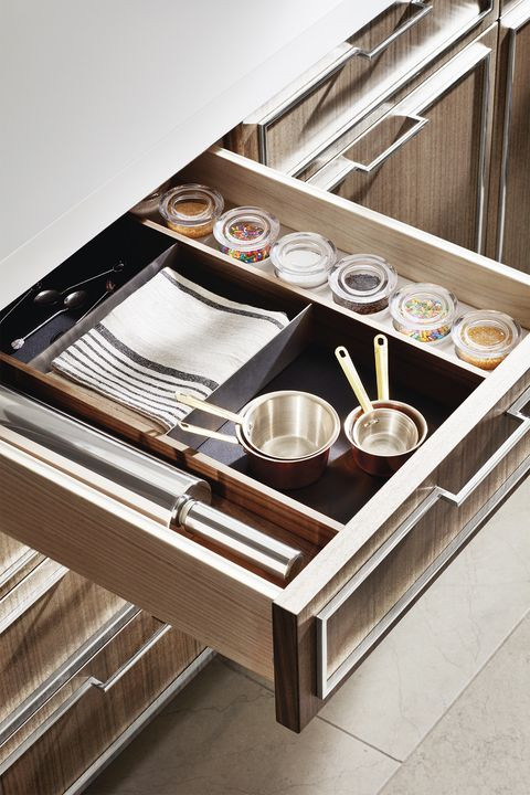 organized kitchen drawers compartmentalize