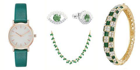 Pendientes, pulseras y collares, perfecto para regalar y regalarse,en los que el verde es el gran protagonista.