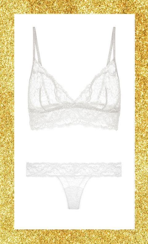 Hai detto completini intimi per Capodanno 2019? Guarda le immagini della gallery e lasciati ispirare dalla nuova lingerie per iniziare l'anno come una star.