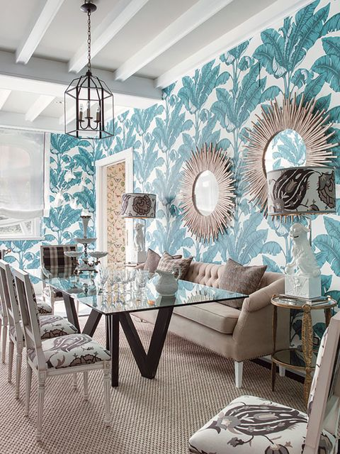 ideas decorativas para paredes   pared decorada con espejos maxi sobre papel pintado