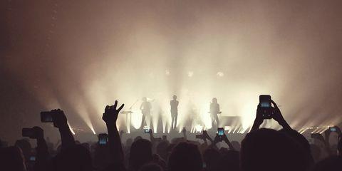 Performance, Entertainment, Crowd, Concert, Performing arts, Stage, Rock concert, Light, Event, Public event,