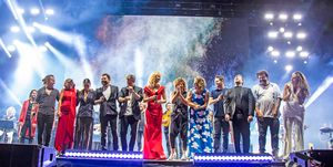 Artistas sobre el escenario del 'Concierto por la paz'