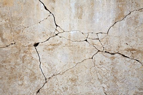 Concrete Cracks Repair — Cracked Concrete Tips