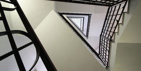 Stairs, Iron, Architecture, Handrail, Daylighting, Ceiling, Design, Line, Material property, Metal,