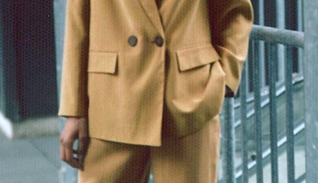 conjunto chaqueta y pantalón