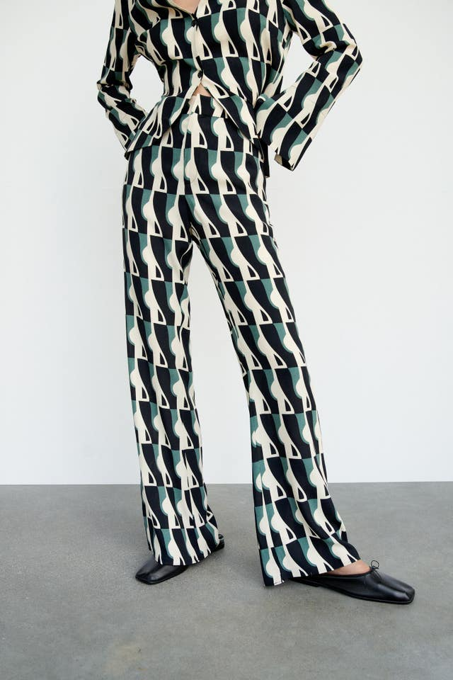 zara conjunto camisa pantalon pijamero estampado geometrico