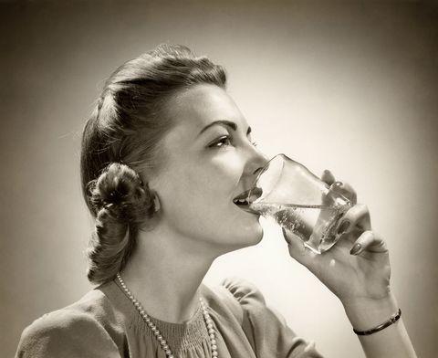 Deshidratación: 7 cosas que te pueden pasar si no bebes suficiente agua
