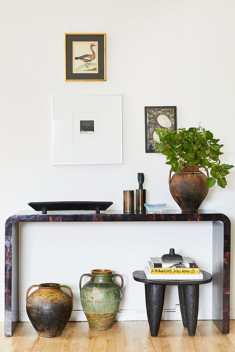 19 Console Table Decorating Ideas For Every Room In The House - Contemporary Console Table Decor Ideas