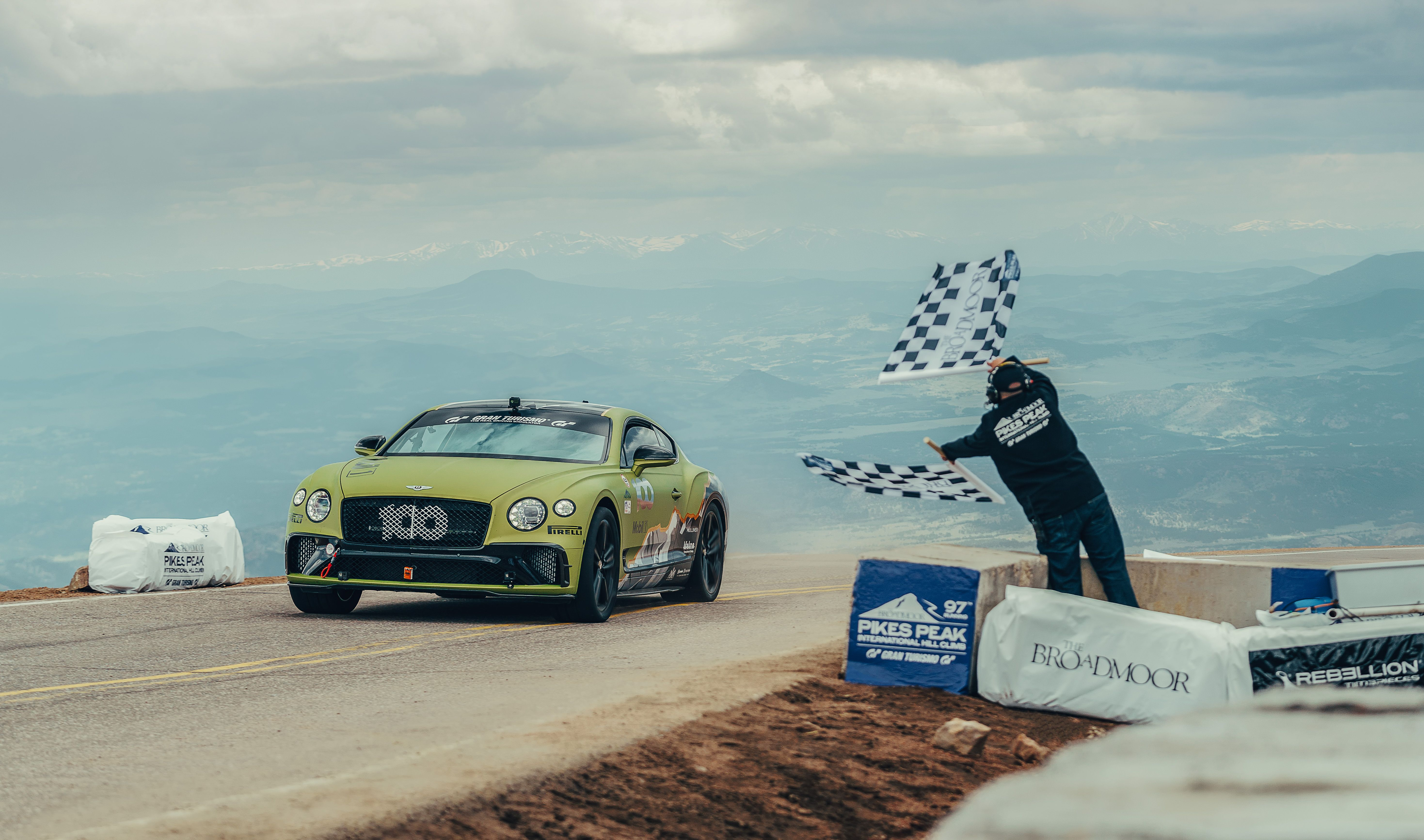Watch the New Bentley Continental GT Break the Production-Car Record at Pikes Peak