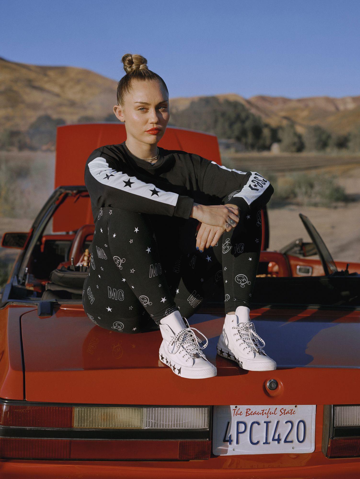 Miley Cirus Converse Bershka