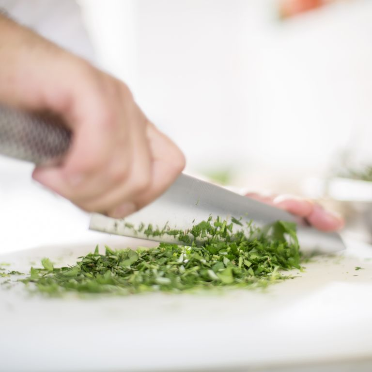 A Complete Guide to Cooking with Garden Herbs for Simple, Healthy Meals