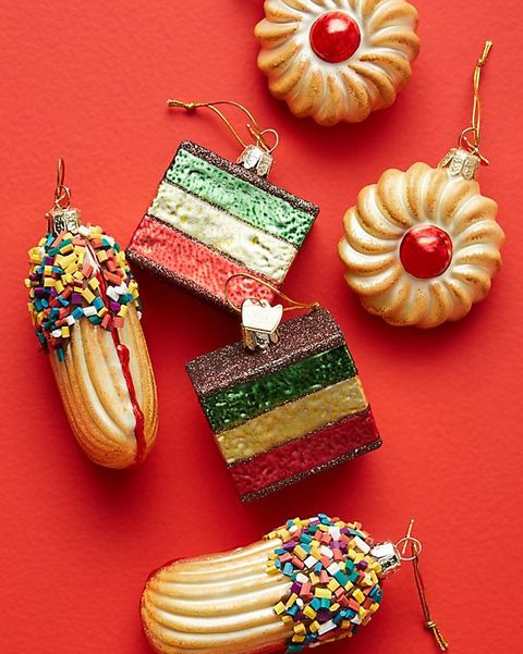 Jewellery, Fashion accessory, Food, Pendant, Cuisine, Baked goods, Macaroon, Petit four, Ornament, Dessert,
