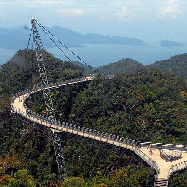 15 Cool Bridges With Amazing Architecture - Best ...