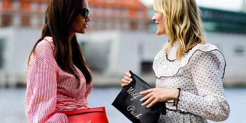 Conversation, Street fashion, Interaction, Business, Gesture, Customer,
