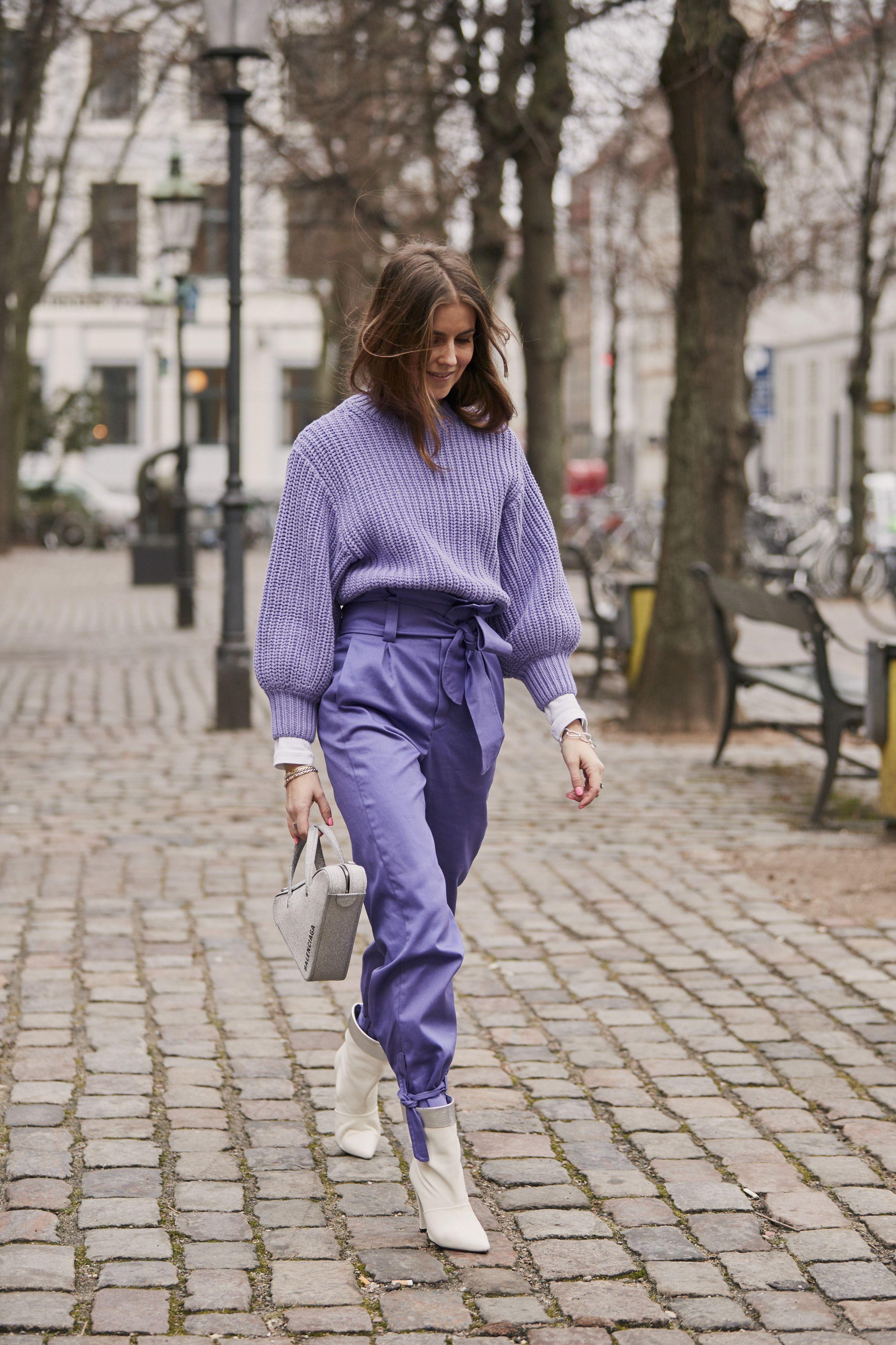 street style new york fashion week, colori moda 2019, come abbinare il viola, come abbinare il lilla, moda colour pastello 2019, come abbinare il viola chiara, come abbinare i colori nell'abbigliamento, come abbinare i colori nell'abbigliamento, look moda 2019