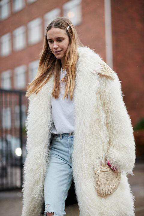 Fur, Fur clothing, White, Street fashion, Clothing, Fashion, Beauty, Outerwear, Textile, Long hair,