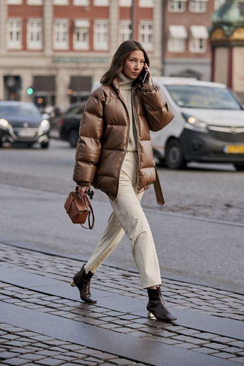 Copenhagen Fashion Week street style,  street style Copenhagen, moda copenhagen, street style copenhagen, colori moda 2019, come abbinare il marrone, come indossare il beige, look moda nordica