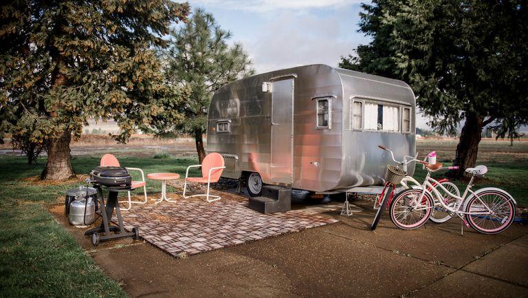 Vintage Trailer Resort >> 7 Best Vintage Camping Trailer and Airstream Resorts