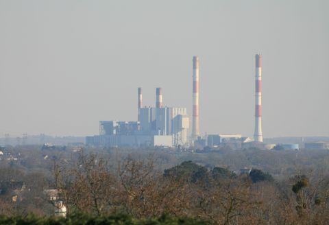 Atmospheric phenomenon, Haze, Pollution, Atmosphere, Sky, Skyscraper, Metropolitan area, City, Industry, Power station,