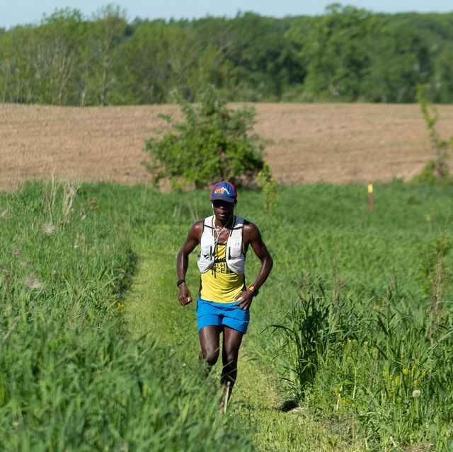 coree woltering runs along the ice age trail as he goes for the fastest known time
