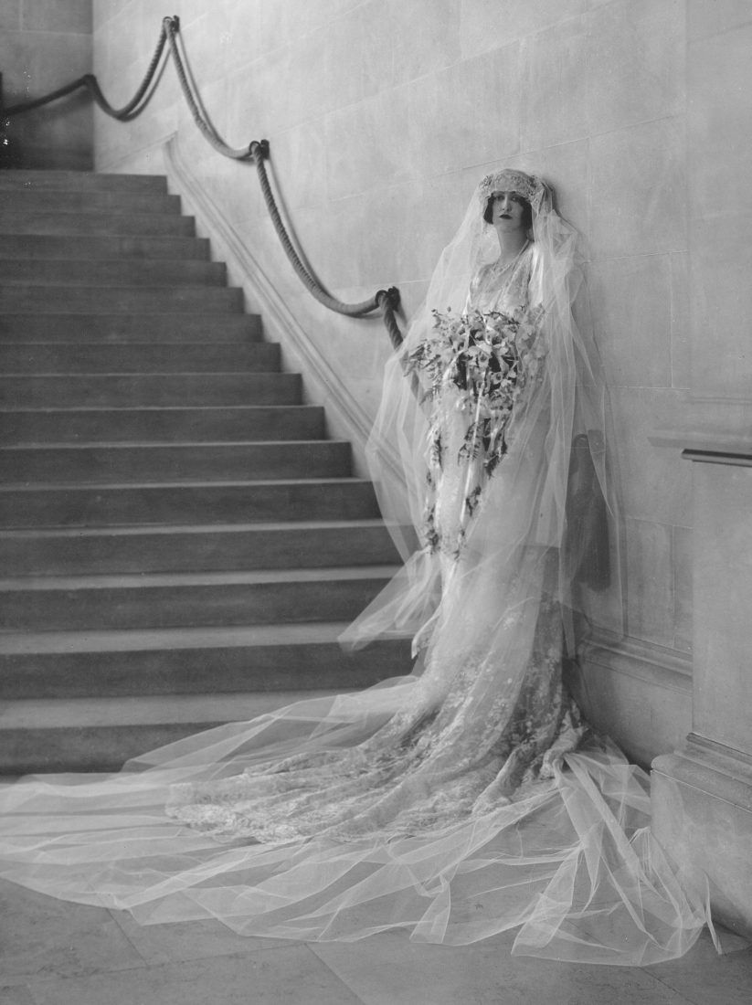 Cornelia Vanderbilt's Wedding Dress Heiress Cornelia Venderbilt's 1924 wedding to British diplomat John Cecil was the party of the century, and took place at the family's famous Biltmore estate in Asheville. A whopping 2,500 people attended the reception.