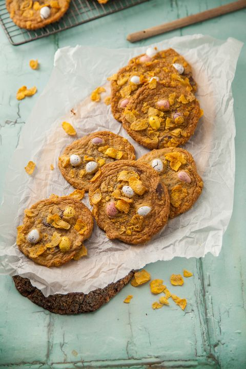 Easter biscuits - Cornflake cookie nests