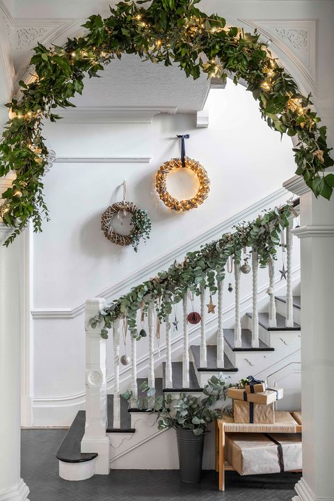 coronas de navidad con led para el recibidor