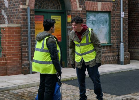 Aadi Alahan gets involved in a fight in Coronation Street