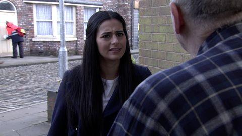 Alya Nazir confronts Geoff Metcalfe in Coronation Street