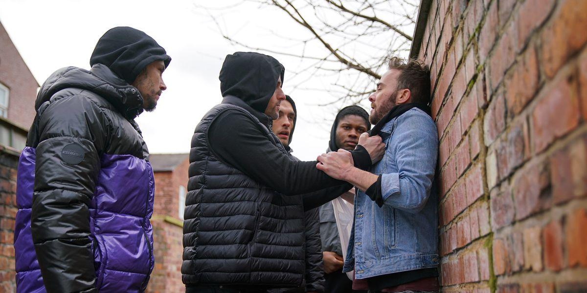 Coronation Street viewers back the show after complaints over David Platt knife scenes