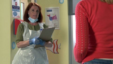 leanne battersby with a doctor in coronation street