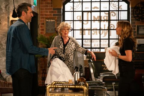 Maria Connor faces love life confusion in Coronation Street