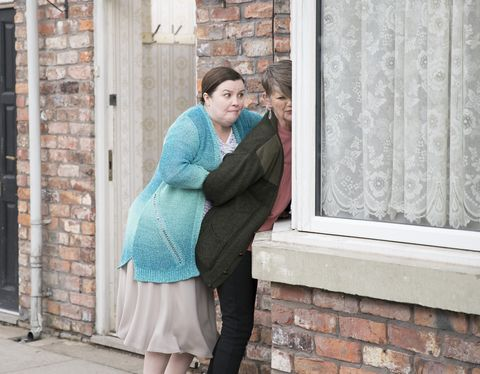 Mary Taylor clashes with Freda Burgess in Coronation Street