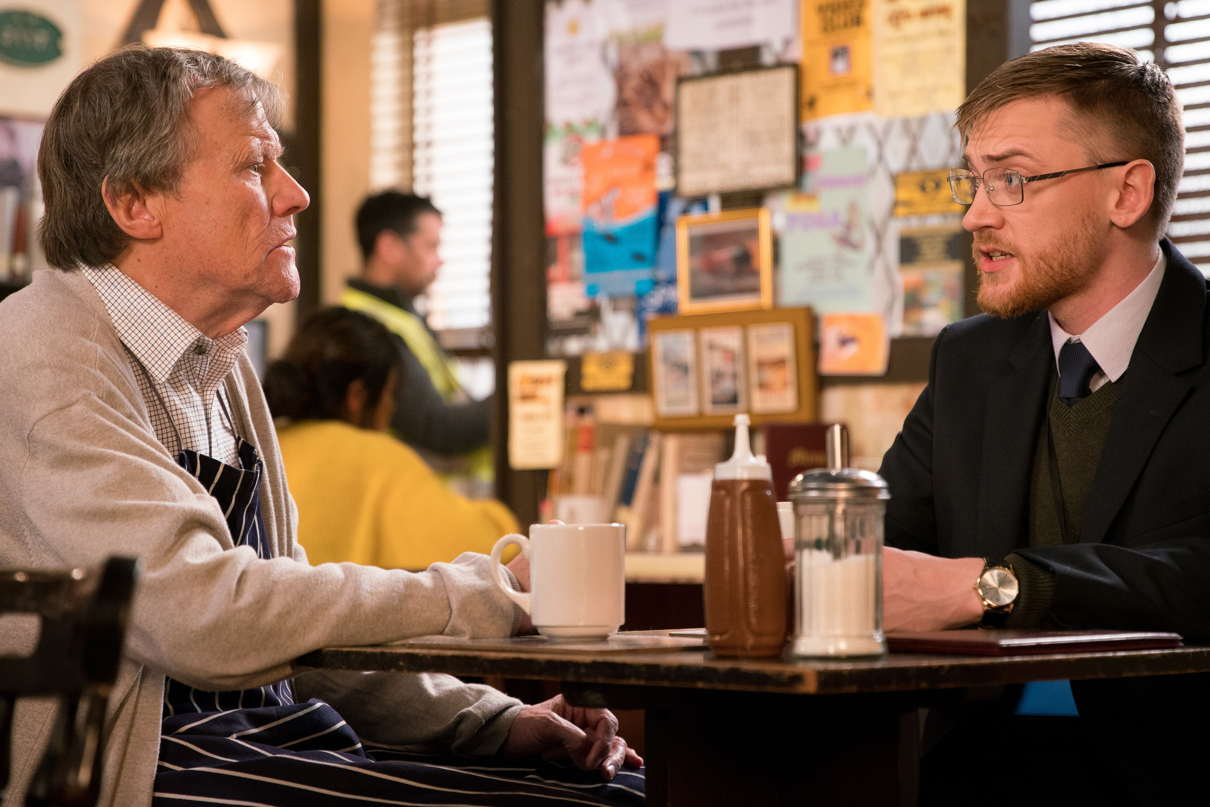 Roy Cropper catches up with Wayne Hayes in Coronation Street