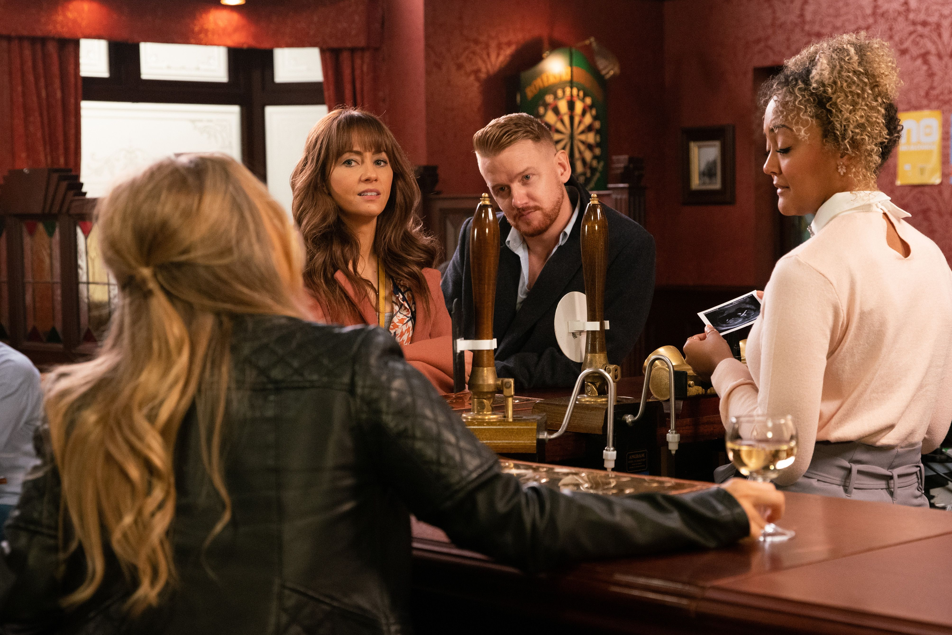 Coronation Street schedules in hour-long special for 10,000th episode