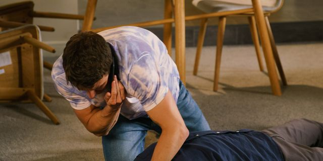 Coronation Street's Ali Neeson suffers shock seizure as addiction storyline continues