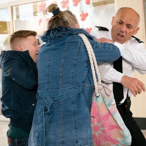 Chesney Brown and Bernie Winter clash with Kel Hinchley in Coronation Street