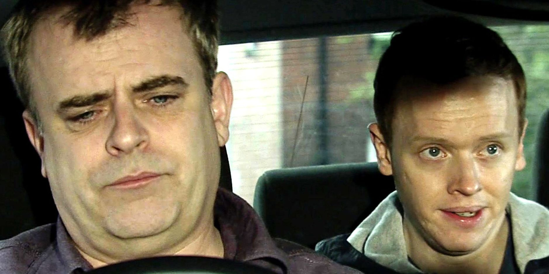 Steve McDonald with a dodgy cab customer in Coronation Street