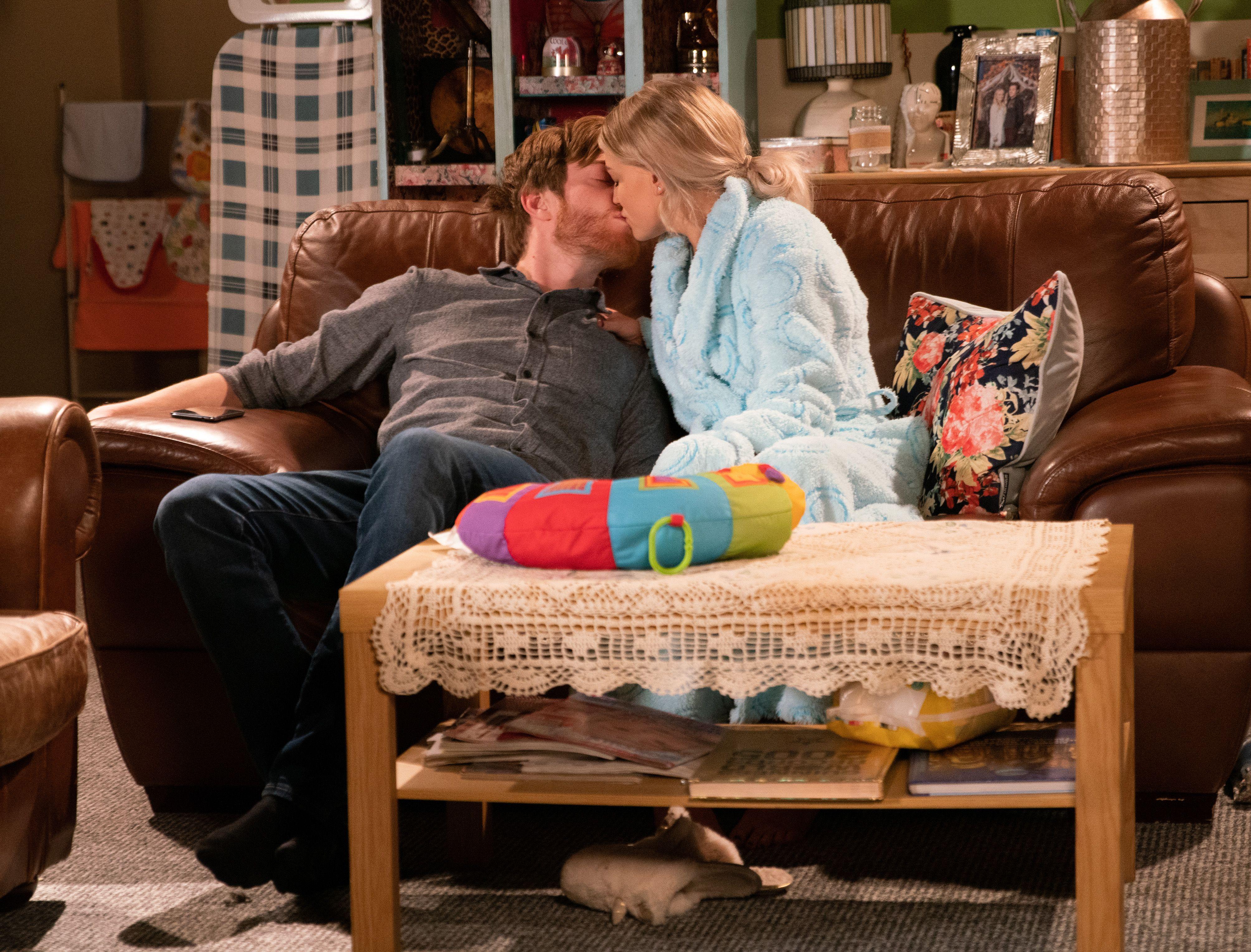 Coronation Street's Daniel Osbourne kisses Bethany Platt – but he's thinking about Sinead