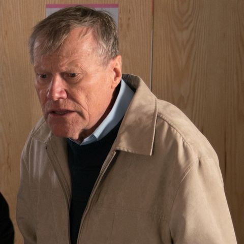 Coronation Street hints at Roy Cropper secret after ring mystery