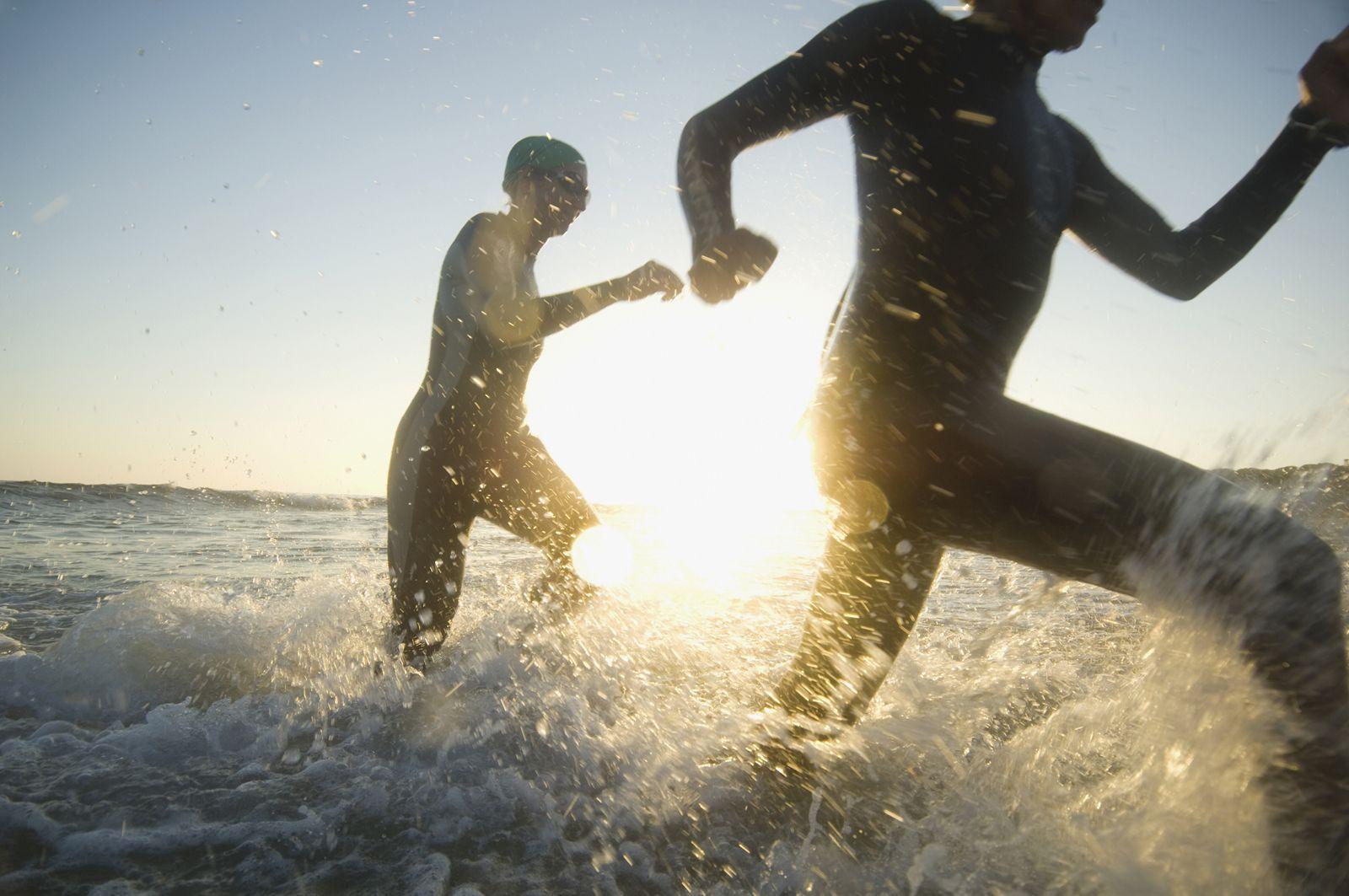 Los diez mejores ejercicios para hacer en la playa este verano