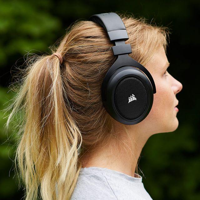 woman wearing corsair hs50 pro gaming headset