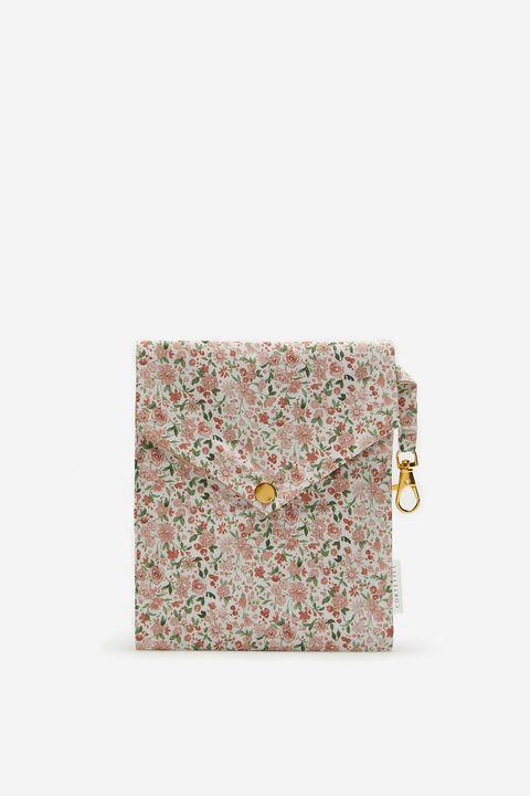 bolsa portamascarillas de flores de cortefiel