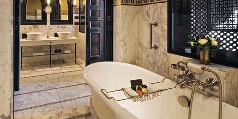 Room, Interior design, Property, Bathroom, Building, Tile, Furniture, Architecture, Ceiling, Real estate,