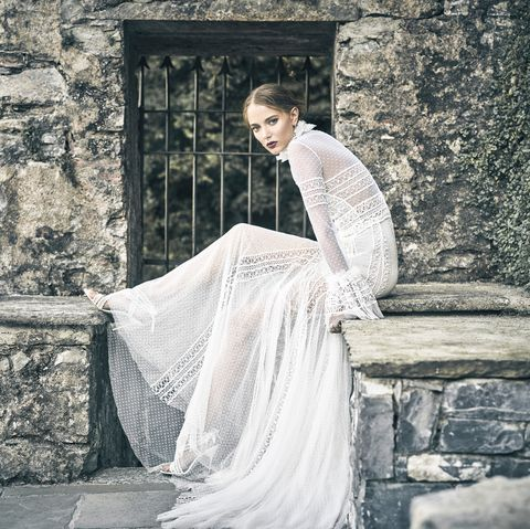 Wedding Dresses And Fashion Accessories 2018