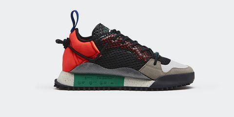 Shoe, Footwear, Outdoor shoe, Black, Sneakers, Basketball shoe, Orange, Sportswear, Walking shoe, Athletic shoe,