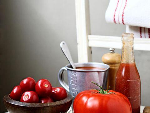 Food, Ingredient, Produce, Serveware, Natural foods, Whole food, Dishware, Vegan nutrition, Vegetable, Tomato,