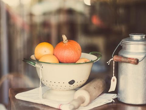 Serveware, Food, Ingredient, Produce, Dishware, Natural foods, Fruit, Whole food, Local food, Still life photography,